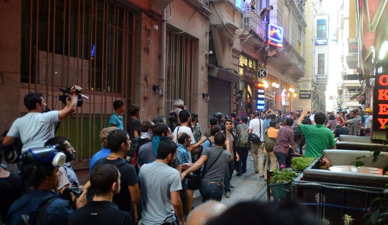 Police fire tear gas on Taksim protesters