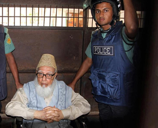 Bangladesh charges HRW with contempt after Azam case