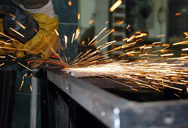 Number of employed people in industry breaks record