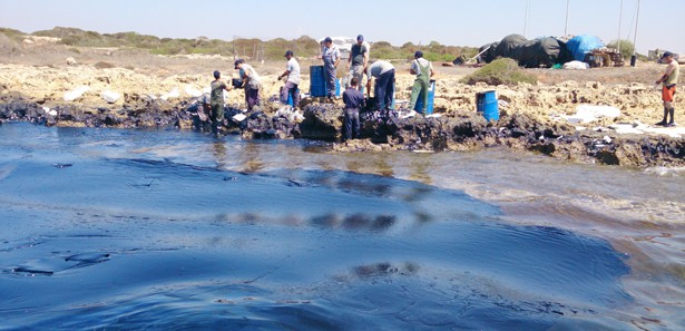 Oil spill in northern Cyprus threatens environment