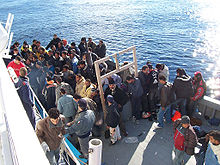 Near 200 Syrian refugees rescued from boat near Sicily
