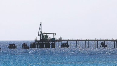 Protesters halt oil exports from Libya's Zueitina for 6th day