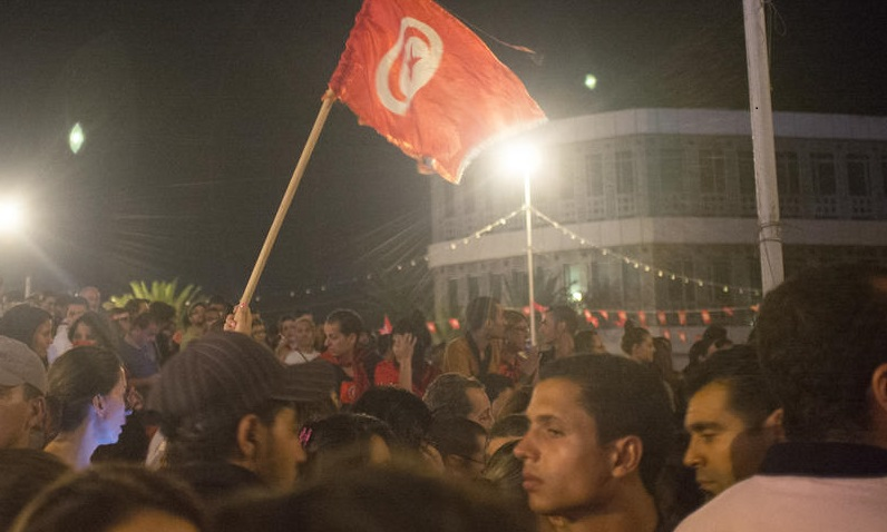 Tunisians protest against return of extremists
