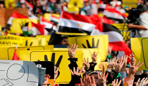 S. Arabia, Kuwait prohibit Egyptians from protesting coup