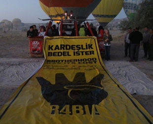 Turkish balloons rise for freedom in Egypt, Syria and Palestine