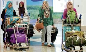 Malaysian students leave Egypt