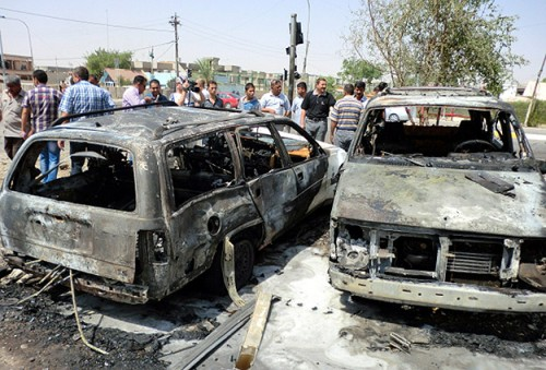 Bomb targets busy Baghdad cafe, killing 25