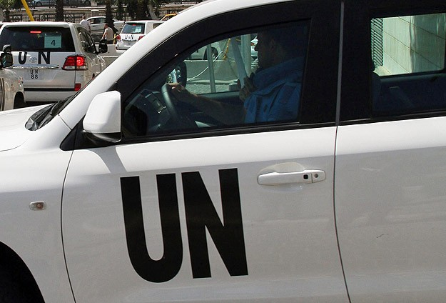 UN chemical weapons inspectors shot at by snipers