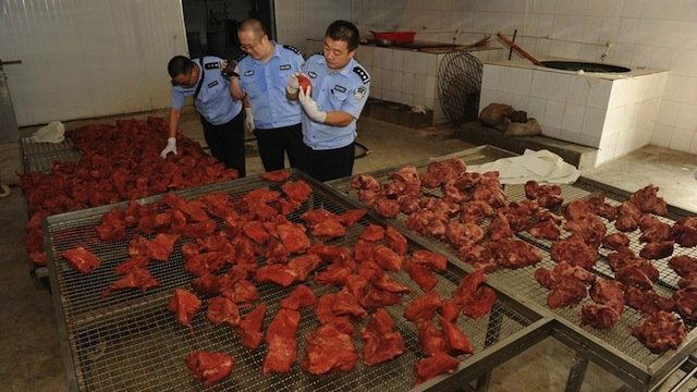 China lifts ban on import of British beef