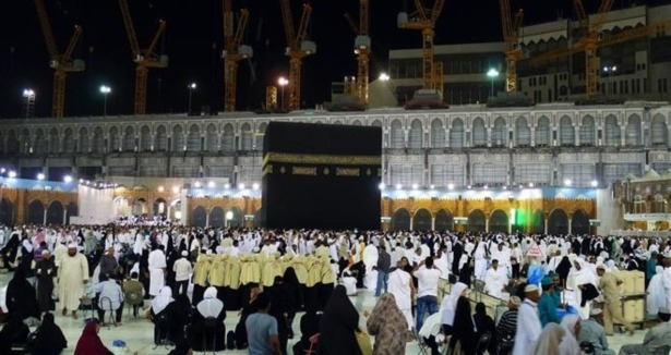 Muslims pray in Mecca for Turkey's victory in Afrin