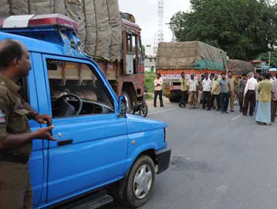 Pakistani envoy summoned to resolve Kashmir stand-off