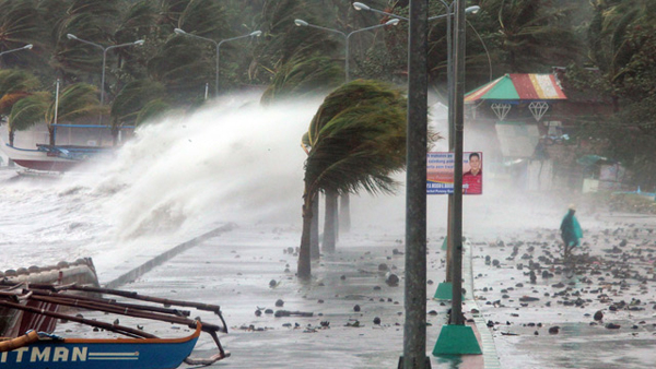 Thousands evacuate as Philippines braces for typhoon Hagupit