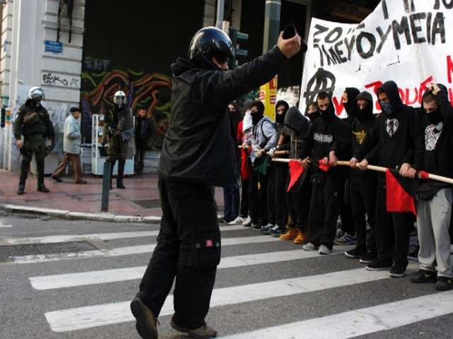 Athens: Protests held in support of hunger striker