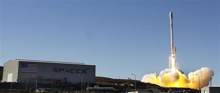 SpaceX Falcon rocket lifts off with Thaicom digital TV satellite