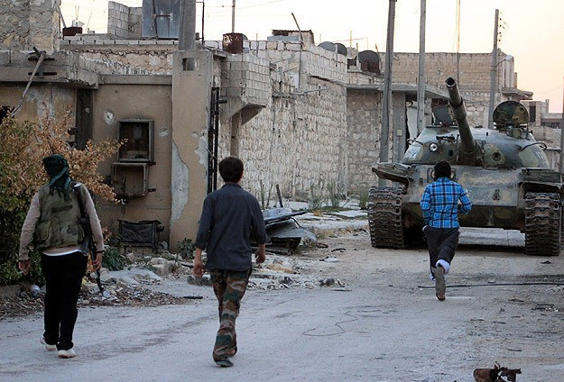 Islamic Front rescues 300 hostages held by ISIL