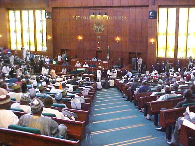 20 Nigerian MPs defect to opposition