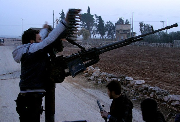 ISIL reportedly pulls out of Syria's Aleppo