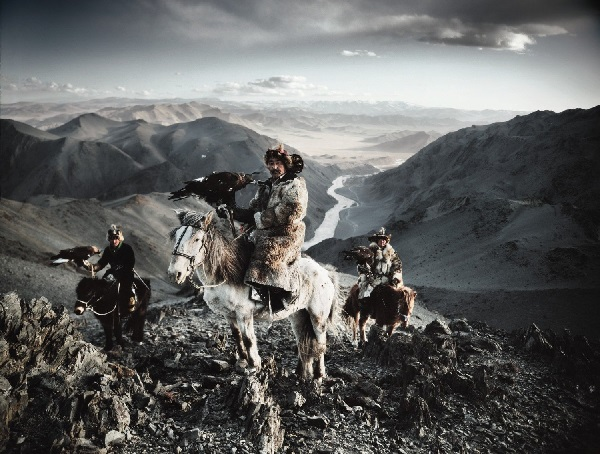 Photographer captures ancient tribes around the world