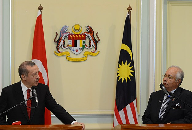 Turkish PM Erdogan leaves Malaysia after official links