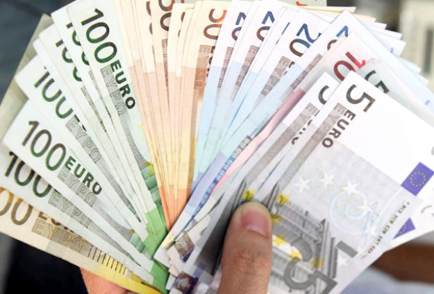 Spain to sell stakes in Bankia