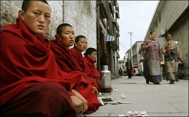 Tibet's living Buddhas to apply for reincarnation