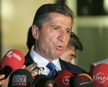 Turkey's AKP offers olive branch to secularists