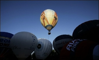 Britain hosts Europe's largest balloon festival
