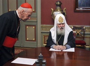 Russian church gives priests freer rein in politics