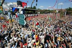Hundred thousands of support for Palestine