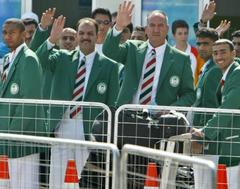 Gunmen kidnap Iraq's Olympic leader, 30 workers