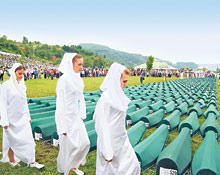 Holland Issues Troops Srebrenica Military Honor