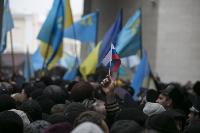 Crimea declares independence, applies to join Russia