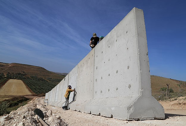 Turkey-Syria border wall to be completed by end-Sept.