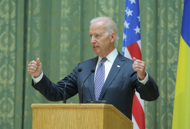 Biden rules out military solution in Syria