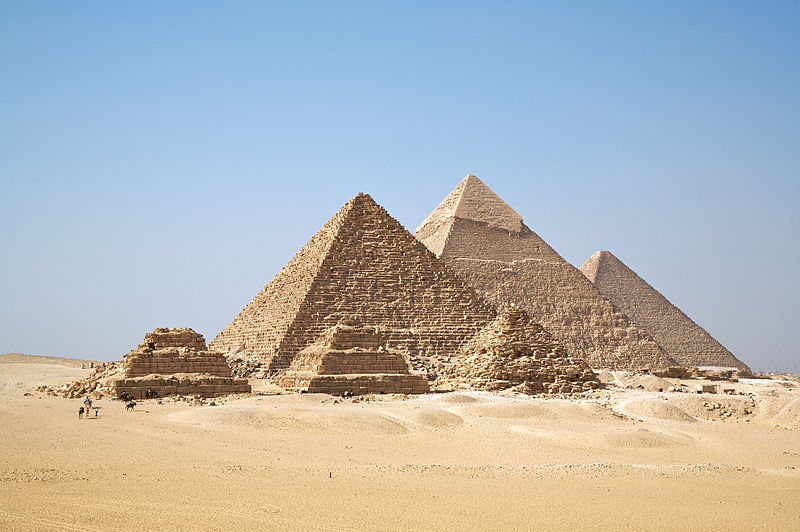 Egypt tourist numbers tumble in March