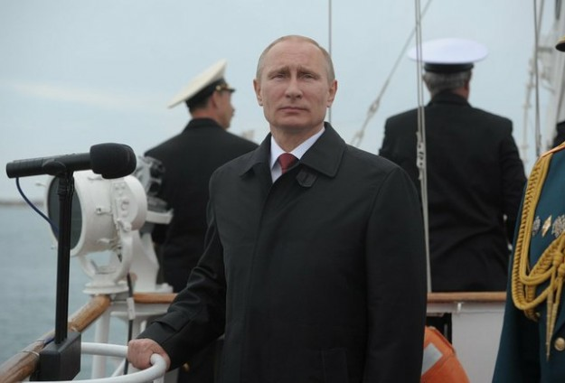 Don't mess with nuclear Russia, Putin says