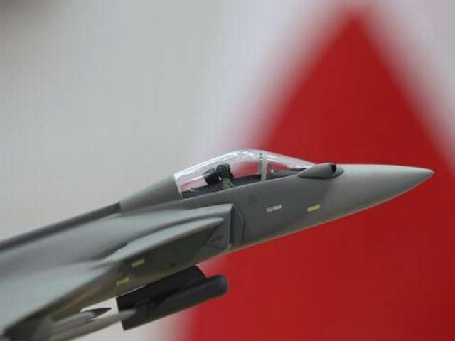 Swiss voters narrowly block deal to buy Saab fighter jets