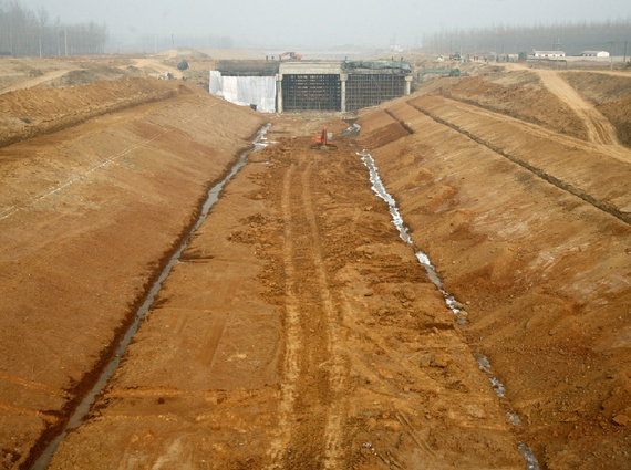 China opens key section of massive water project