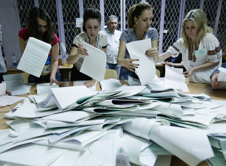 Moldovans vote, election may slow moves to integration with Europe