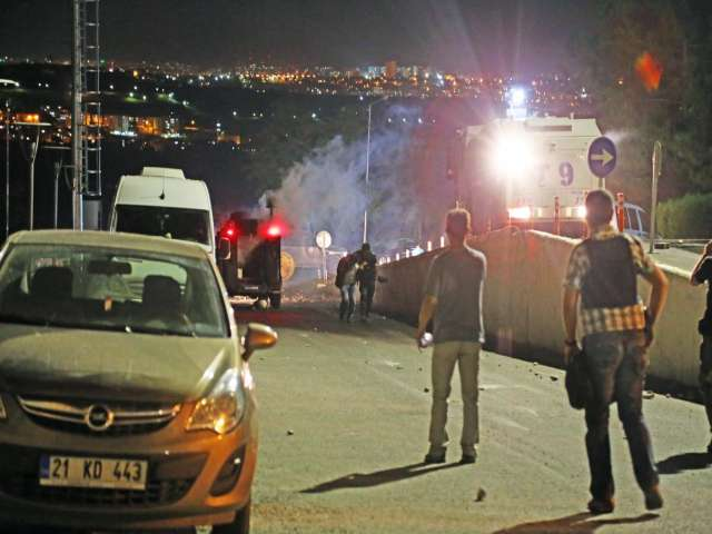 One dead in fresh protests in Turkey's southeast