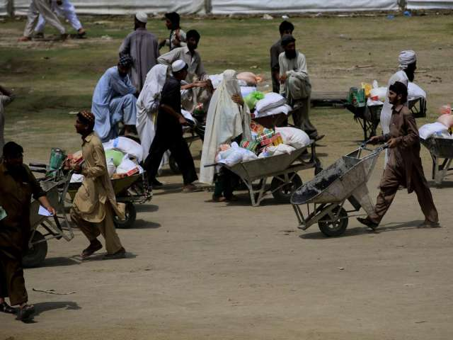 Pakistan's displaced to return home next month