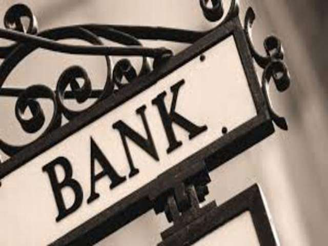 Canadian bank sees economic growth despite lower crude prices