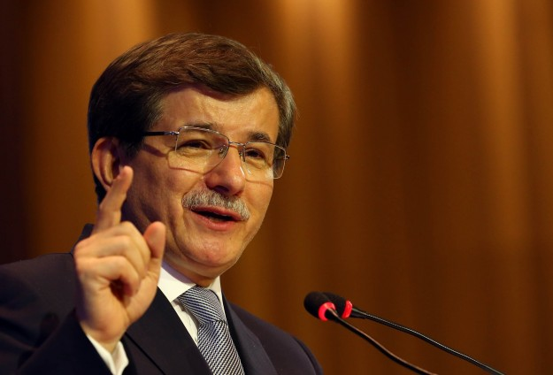 Turkey will try to stop Kurdish border town falling to ISIL
