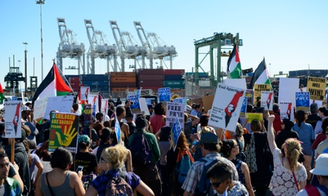 US protesters stop Israeli ship docking at port