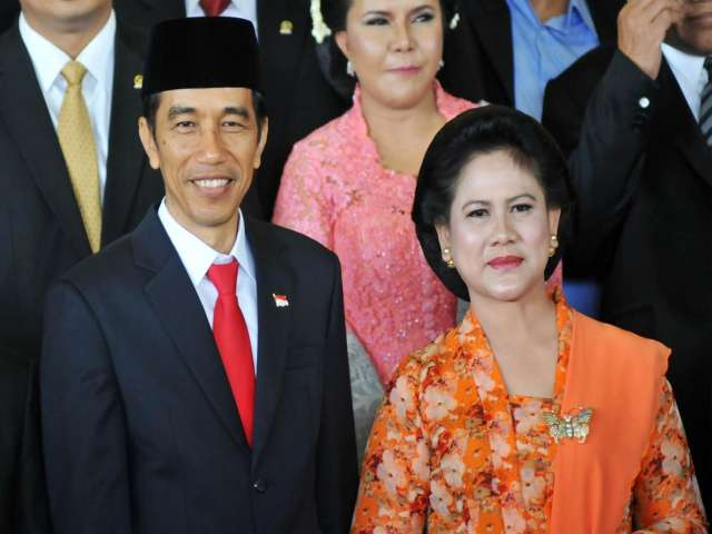 Indonesian cabinet delayed after candidates blocked