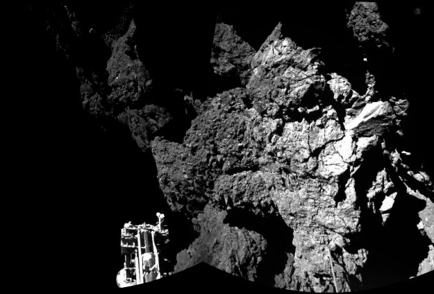 Spacecraft Philae sends first images from comet