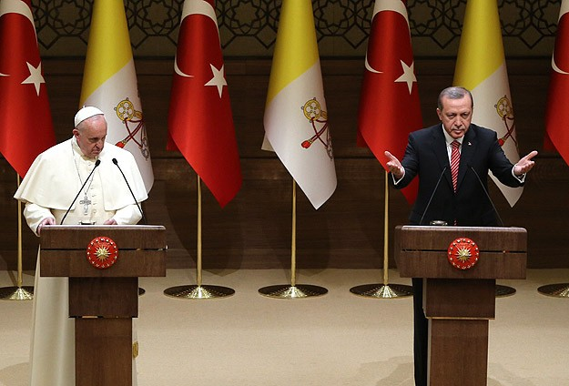 Erdogan points out Islamophobia, Pope urges dialog -UPDATED