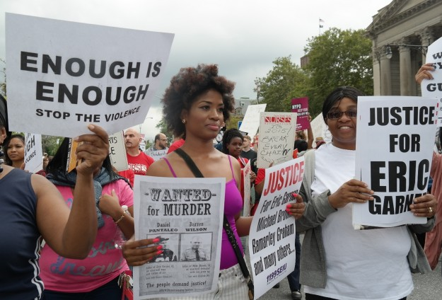 Protesters block streets after US officer cleared in chokehold death