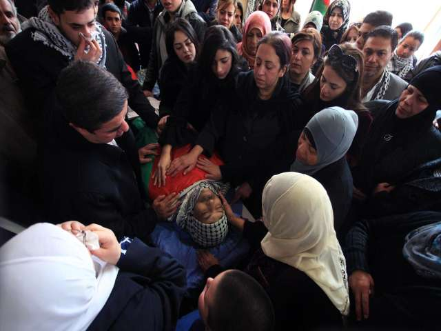 Thousands attend funeral for slain Palestinian minister