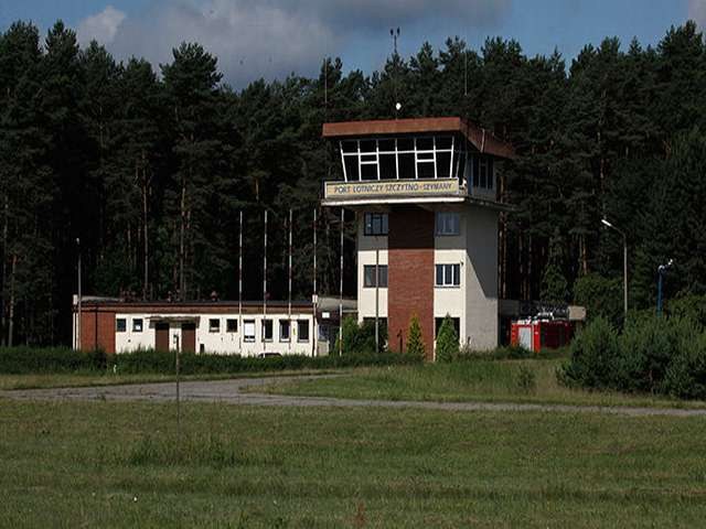 Under pressure over CIA jail, Poland sends out mixed messages